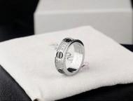 二人の幸せを見守るようなカルティエ スーパーコピー™ 2016美品 Cartier カルティエ ダイヤ リング シルバー.