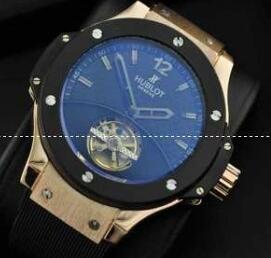 お買い得のウブロ ビッグバン フェラーリ カーボン キングゴールド 401.OJ.0123.VR 防水自動巻きのHublotメンズ腕時計.