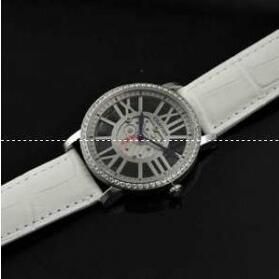 再入荷Cartierカルティエ時計スーパーコピー 腕時計レディース 輸入クオーツ シルバー文字盤ウォッチ ホワイトベルト
