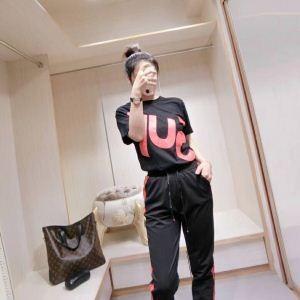 爆買い定番人気SUPREMEコピー【雑誌掲載】シュプリームプリントTシャツ&ロングパンツセットアップ人気通販品上下セット