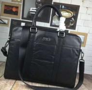 個性を引き立てアルマーニ ARMANI 2018年春夏のトレンドハンドバッグ