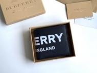 バーバリー 二つ折り財布 コピー トレンディに魅せるアイテム Burberry メンズ ブラック ロゴ入り ブランド 2019人気 品質保証