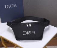 ディオール ショルダーバッグ メンズ コーデに気品を与える人気新作 DIOR コピー ブラック ロゴ入り ストリート セール