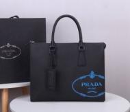 プラダ ビジネスバッグ メンズ 高級的なコーデを演出 PRADA スーパーコピー ストリート オフィス ブラック 最高品質