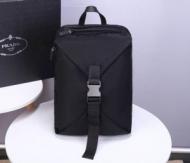 バックパック プラダ 新作 ナチュラル感を増す限定品 PRADA メンズ コピー ブラック 大容量 品質保証 2VZ028_973_F0002_V_OOO